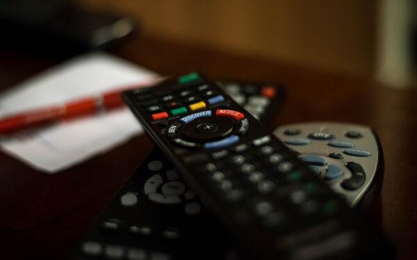 Come rivedere un programma o film trasmesso in TV
